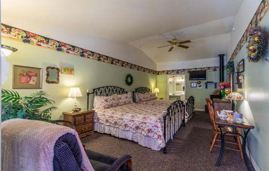 Apples Bed & Breakfast Inn - Ambrosia (2K)