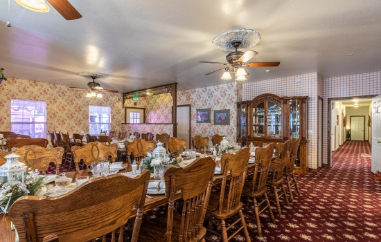 Apples Bed & Breakfast Inn - Dinning Room