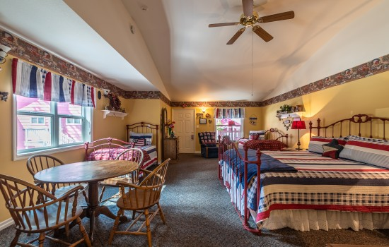 Apples Bed & Breakfast Inn - Liberty (K + 2T)